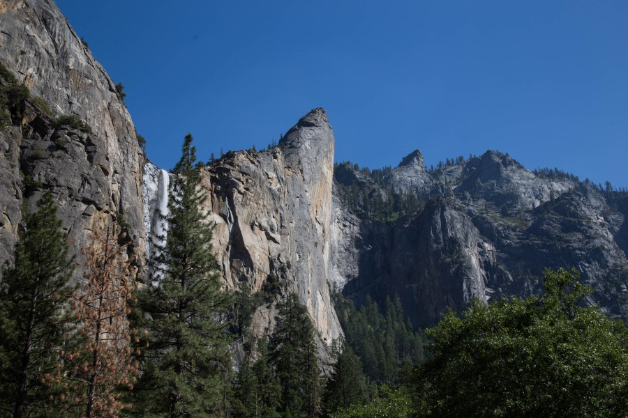 Valley-02.jpg