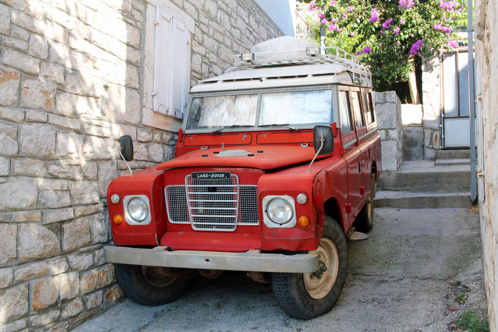 Croatian Red Land Rover