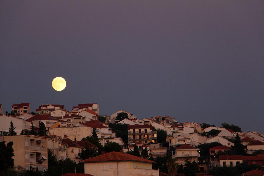 Croatian Seaside Moons (close)