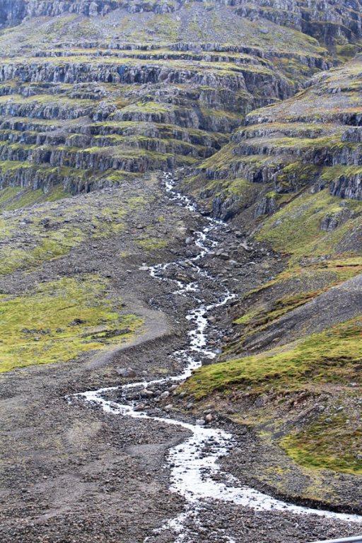 Iceland Mountains & Streams