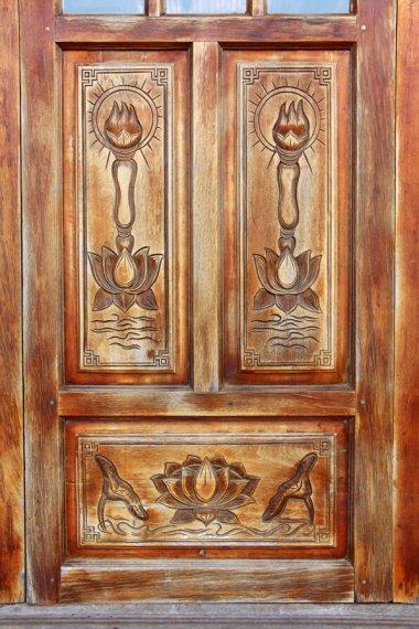 Vietnam Wooden Door Decoration