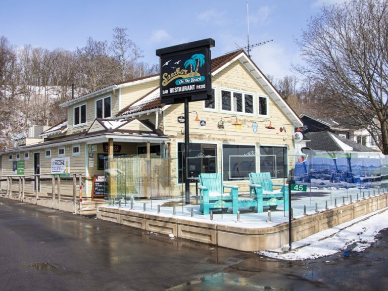 Best Burgers to Eat and Best Caesars to Drink in Norfolk County are at Sandbar on the Beach