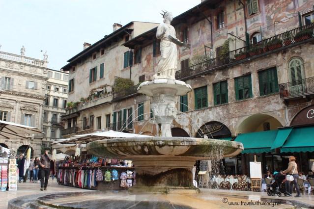 TWW - shopping market - Verona
