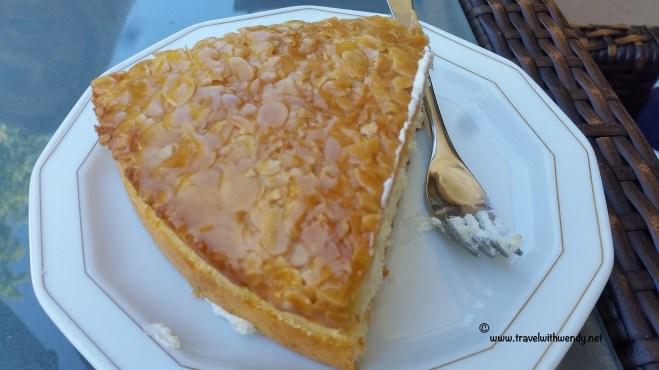 TWW - Beinen Kuchen (Bee cake)