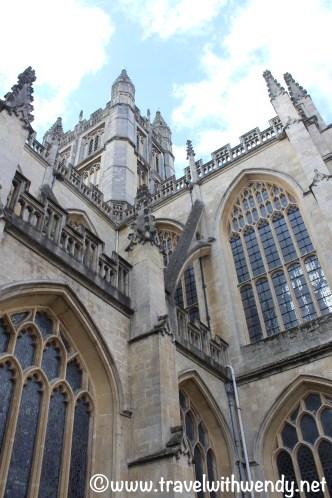 tww-bath-abbey-upward-view-www-travelwithwendy-net