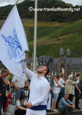 tww-flag-thrower
