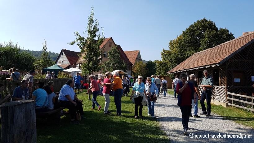 tww-walking-the-fest-wackershofen-www-travelwithwendy-net