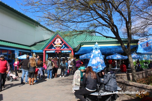 travel-with-wendy-ben-and-jerrys-lines-fall-in-love-with-vermont-www-travelwithwendy-net