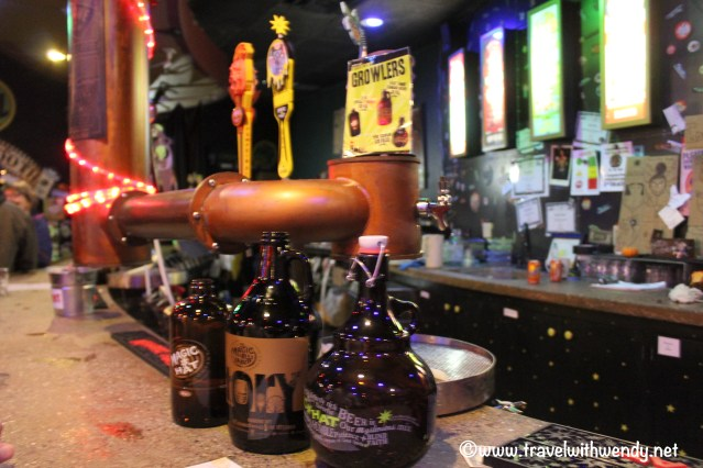travel-with-wendy-growlers-at-magic-hat-brewery-fall-in-love-with-vermont-www-travelwithwendy-net
