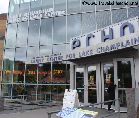travel-with-wendy-lake-aquarium-echo-fall-in-love-with-vermont-www-travelwithwendy-net