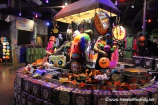 travel-with-wendy-magic-hat-store-fall-in-love-with-vermont-www-travelwithwendy-net
