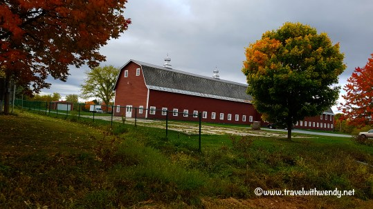 travel-with-wendy-vergennes-barn-fall-in-love-with-vermont-www-travelwithwendy-net