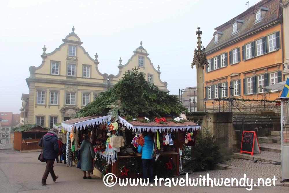 christmas-market-in-schwabish-hall