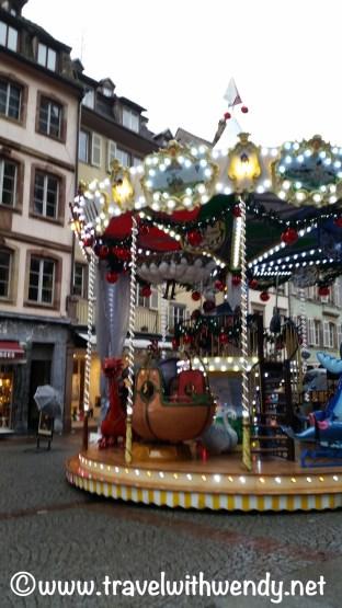 christmas-merry-go-round-obernai