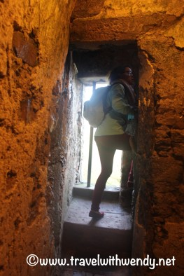 narrow-walkways-blarney-castle