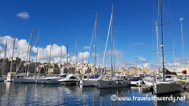birgu-boats-and-harbor