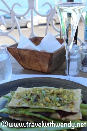 Pistachio - Asparagus vegetarian dish