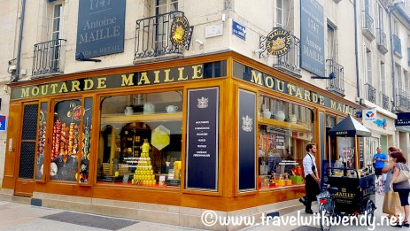 Time for mustard tasting - Moutard Maille