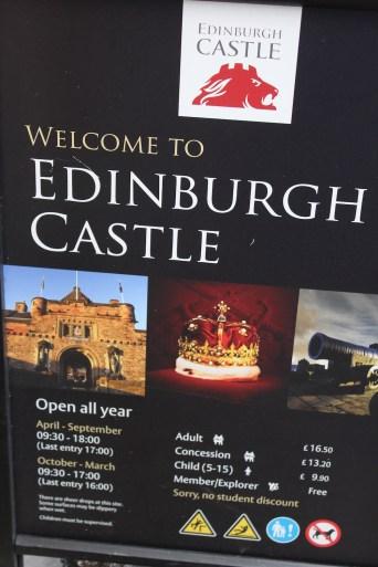 Edinburgh Castle - hours and times - SCOTLAN