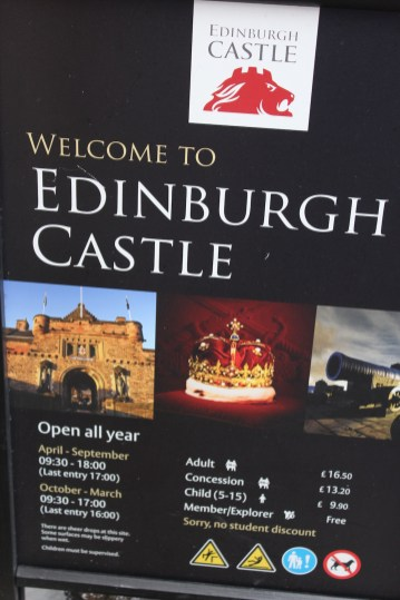 EDINBURGH CASTLE & TOUR