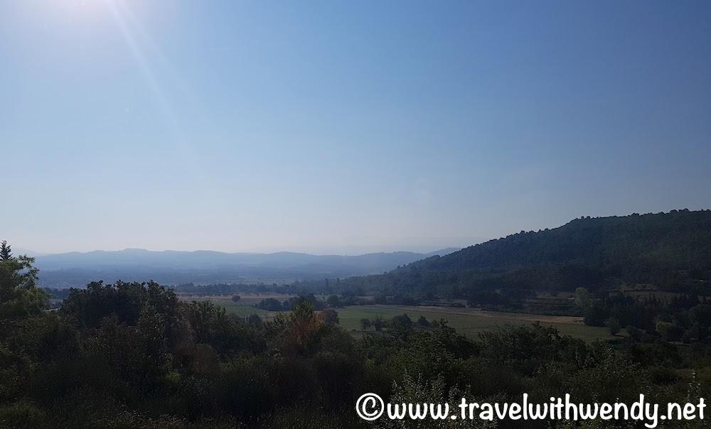 Gordes - Views of the Luberon valley
