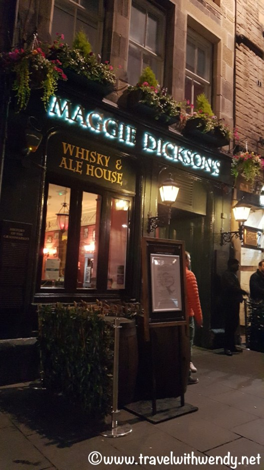 MAGGIE DICKSONS PUB - Edinburgh, Scotland