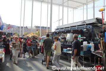 Lots to find - Market Day in Antwerpen