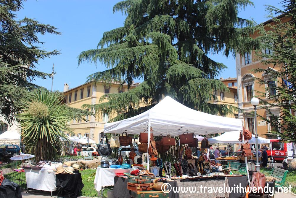 Flea market Saturdays in Umbria