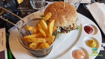 Burgers and More - Meat Market