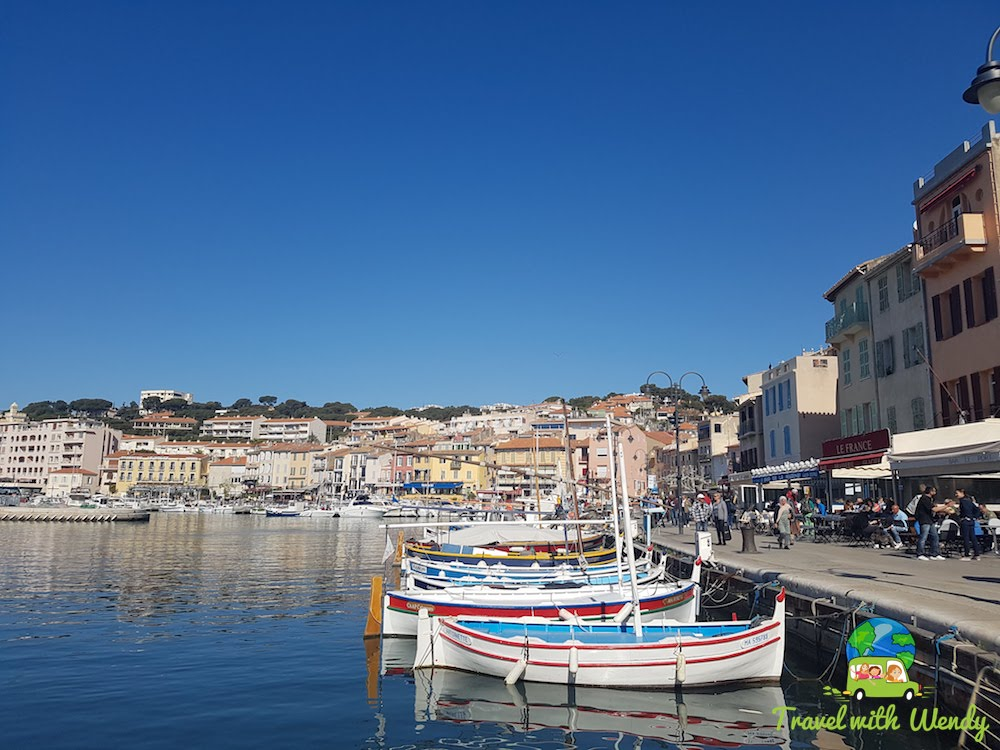 Boats in the harbor - Cassis