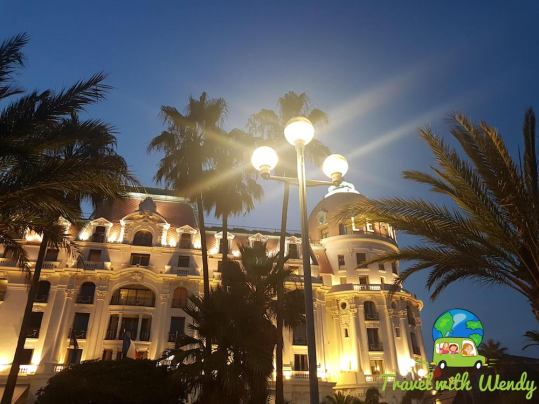 Night images of Nice