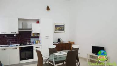 Great kitchen and living space - Brindisi Apartment