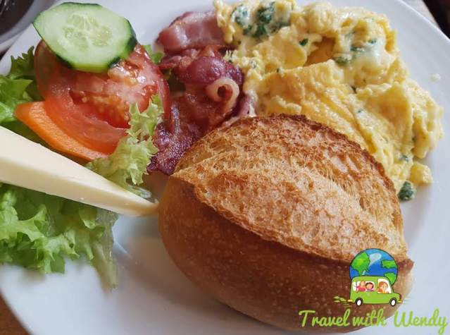 Brotchen and scrambled eggs with leeks - Oma's Kitchen - Cologne, Germany