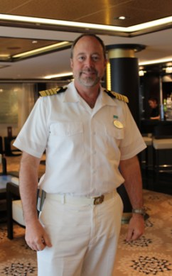 Norwegian-Breakaway-Captain-Evans-Hoyt-TravelXena