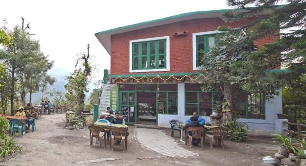 Bhandari_Swiss_Cottages_restaurant