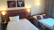 Luton airport hotel with free parking