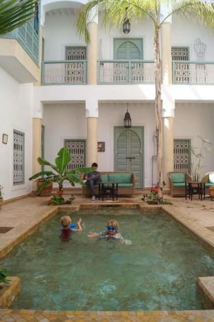 Riad Les Hibiscus pool