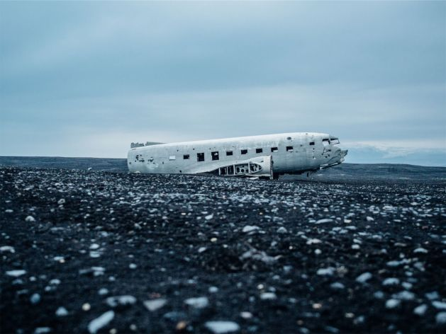 Things to do in Iceland with kids - plane wreckage
