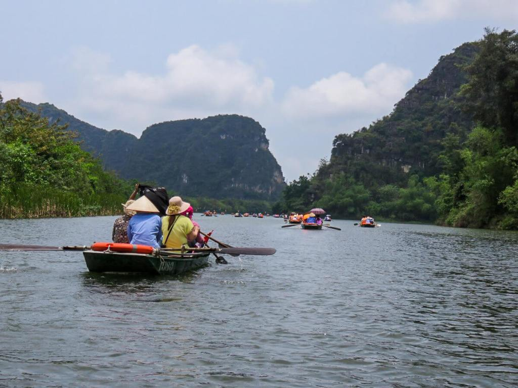 boating along the Tam Coc River