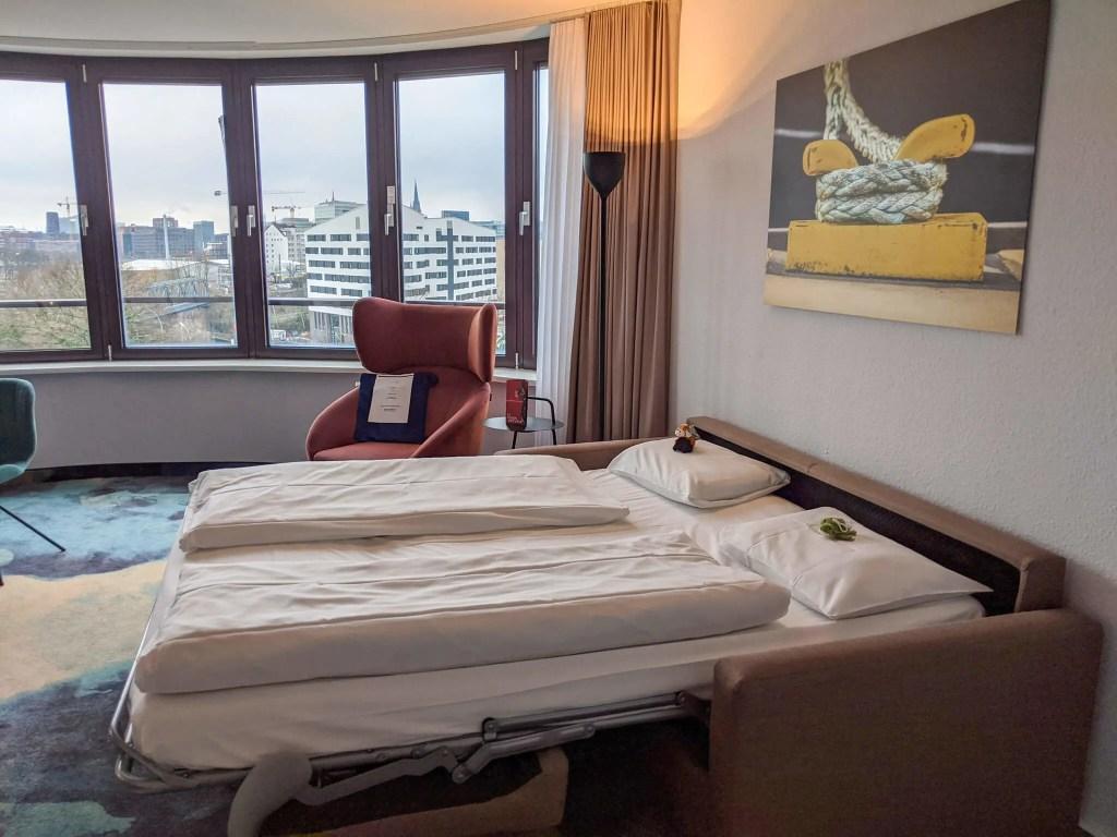 Mecure Hamburg Junior Suite sofabed