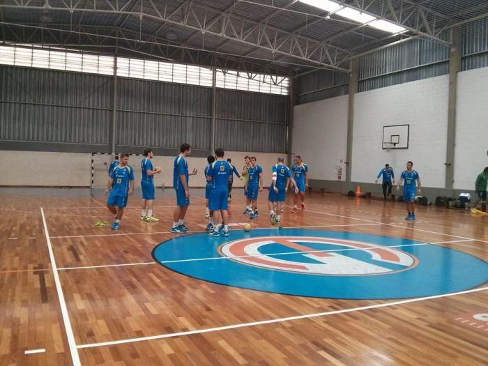 Seleção Júnior na última fase de treinamentos antes do Pan. Foto: FB de CBHb