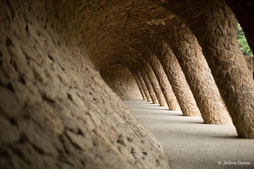 Voyager à Barcelone et se promener au parc Güell