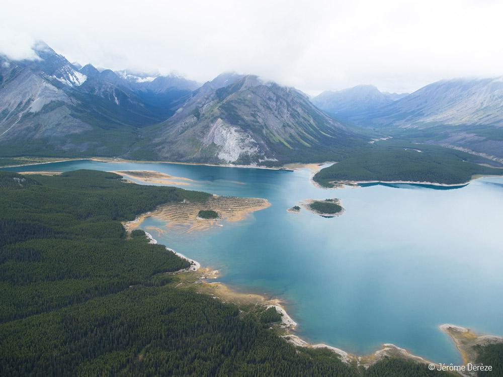 Vol en hélicoptère dans les Rocheuses canadiennes