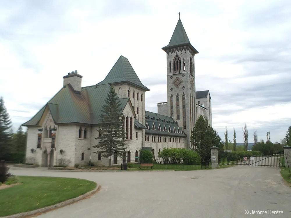Visiter Estrie - Abbaye de Saint-Benoît-du-Lac