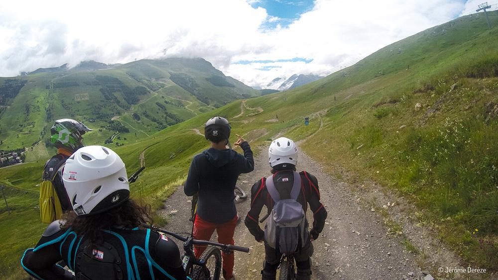 Faire du sport adrénaline dans les Alpes - VTT en montagne