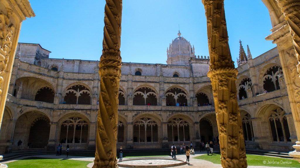 Intérieur du Monastère des Hiéronymites à Lisbonne