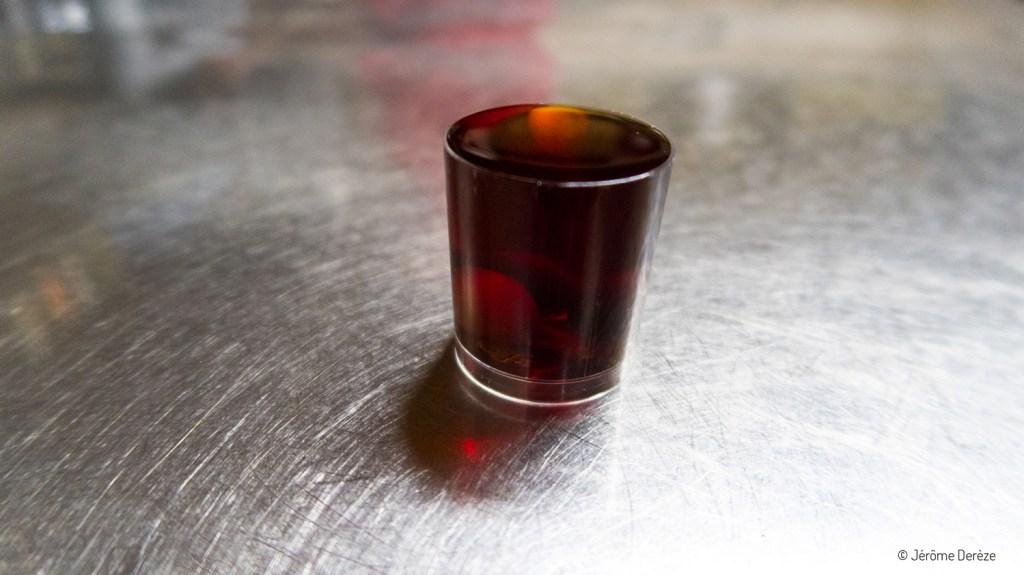 Boire une ginja dans des Ginhinjas