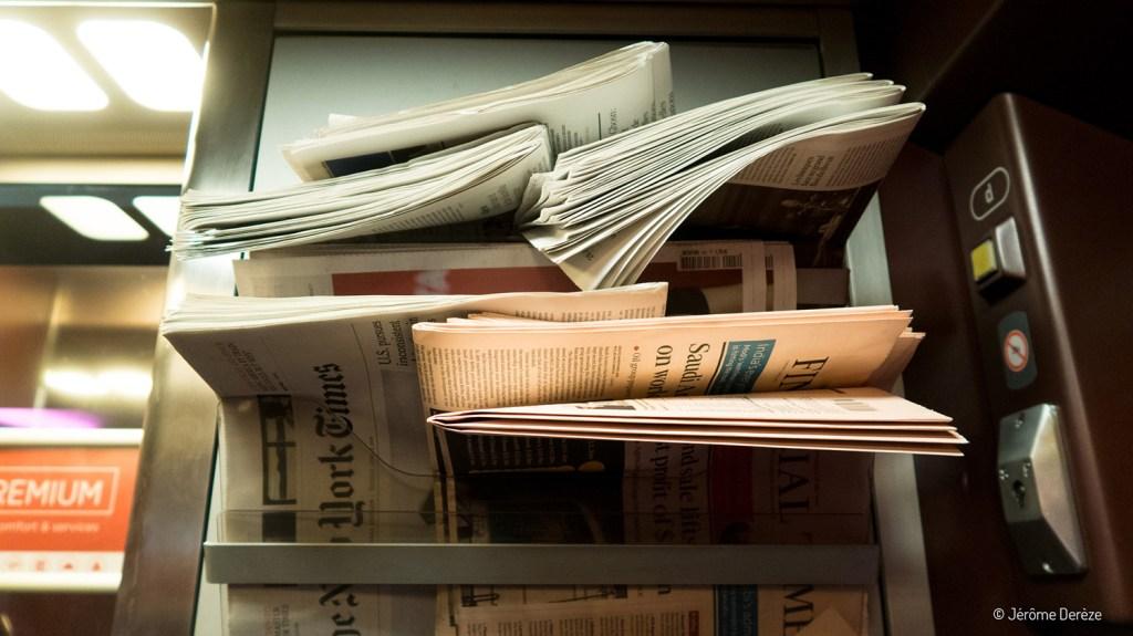journaux dans le Thalys