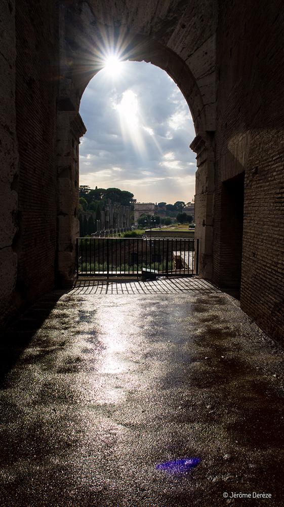Pluie et soleil au Colisée