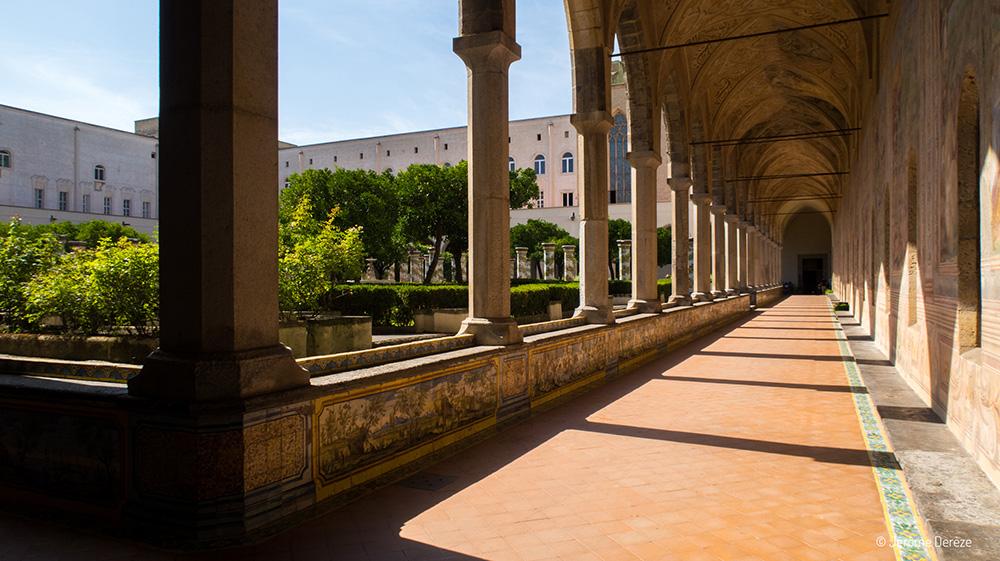Cloître Sainte Claire à Naples